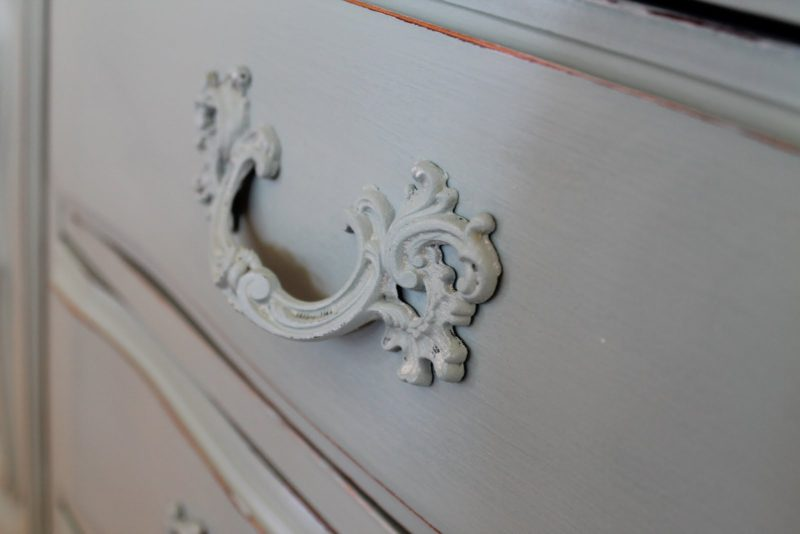 dresser painted handle