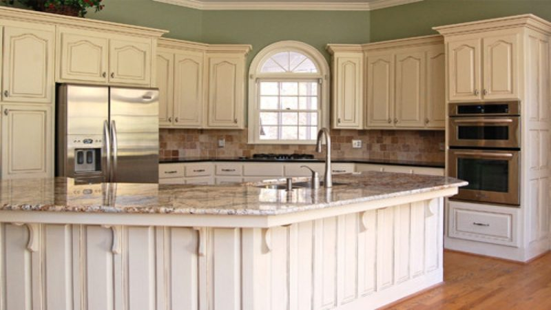 how to paint kitchen cabinets to look antique