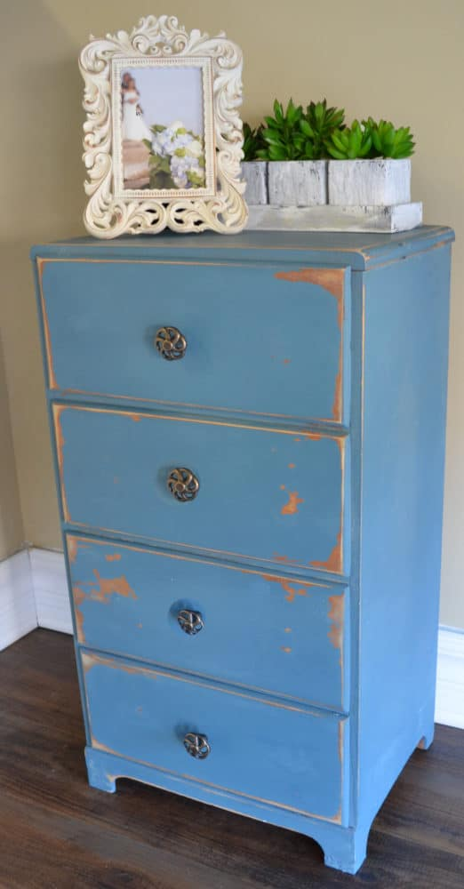 Aubusson blue chalk paint distressed painted furniture for Furniture ideas