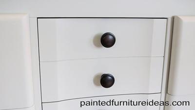 dresser_detail_1