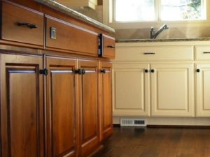 painted-and-stained-kitchencabinets-goeltom