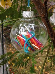 Christmas ornament knit