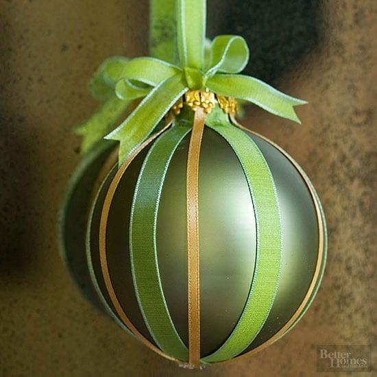 ribbon Christmas ornament