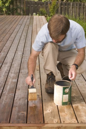 staining a deck with brush