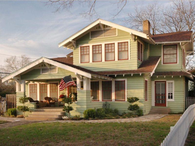 modern craftsman house exterior