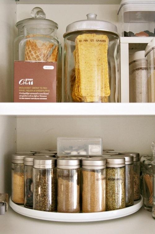 kitchen pantry organize