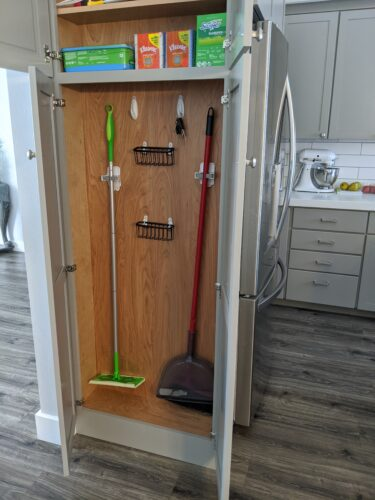 kitchen cleaning cabinet