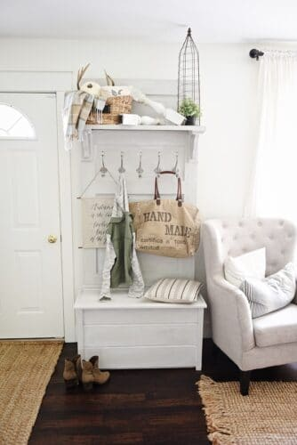 entryway locker with seat